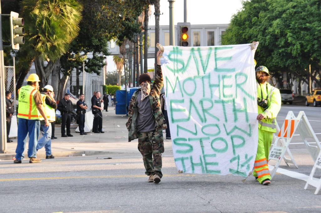 Occupy LA | November 30, 2011 | © Nicole Powers, 2011
